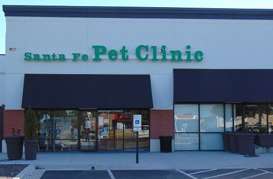 The clinic front of Santa Fe Pet Clinic
